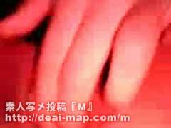【画像】激しく秘穴に指を突っ込む現役看護婦オナ