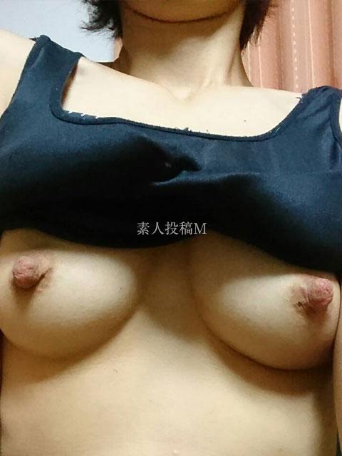 【画像】苛めたくなるような厭らしい看護婦の乳首