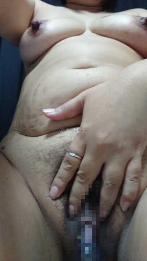 【画像】命令されて吸引中の牝ち○ぽの吸引姿を報告する変態M女
